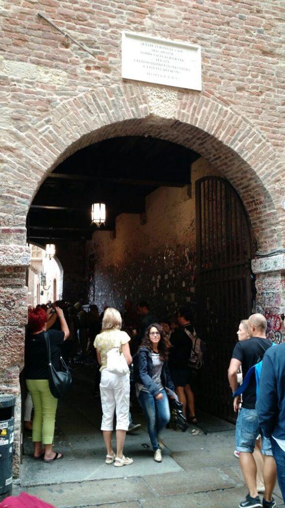 IMG 1518 576x1024 - Que hacer en Verona (Italia)