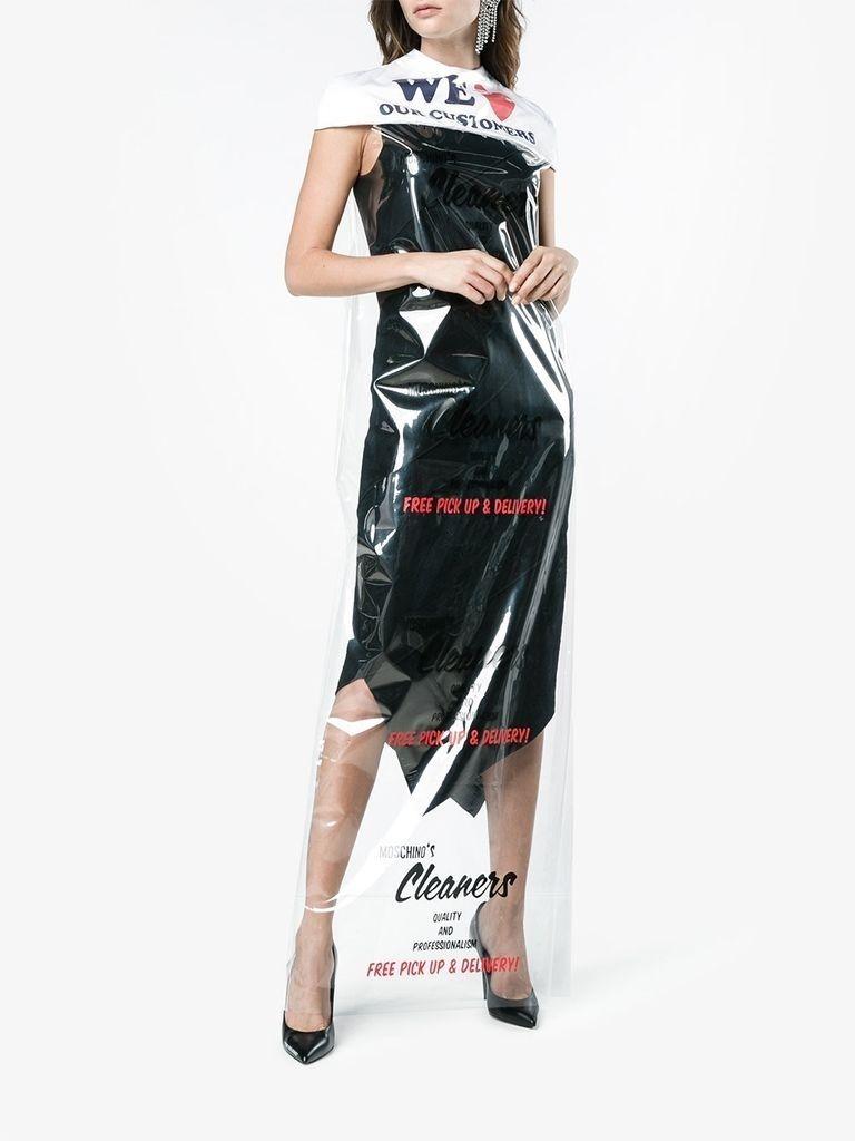 12423159 11525754 1000 1510068036 - Moschino levanta polémica en el mundo de la moda