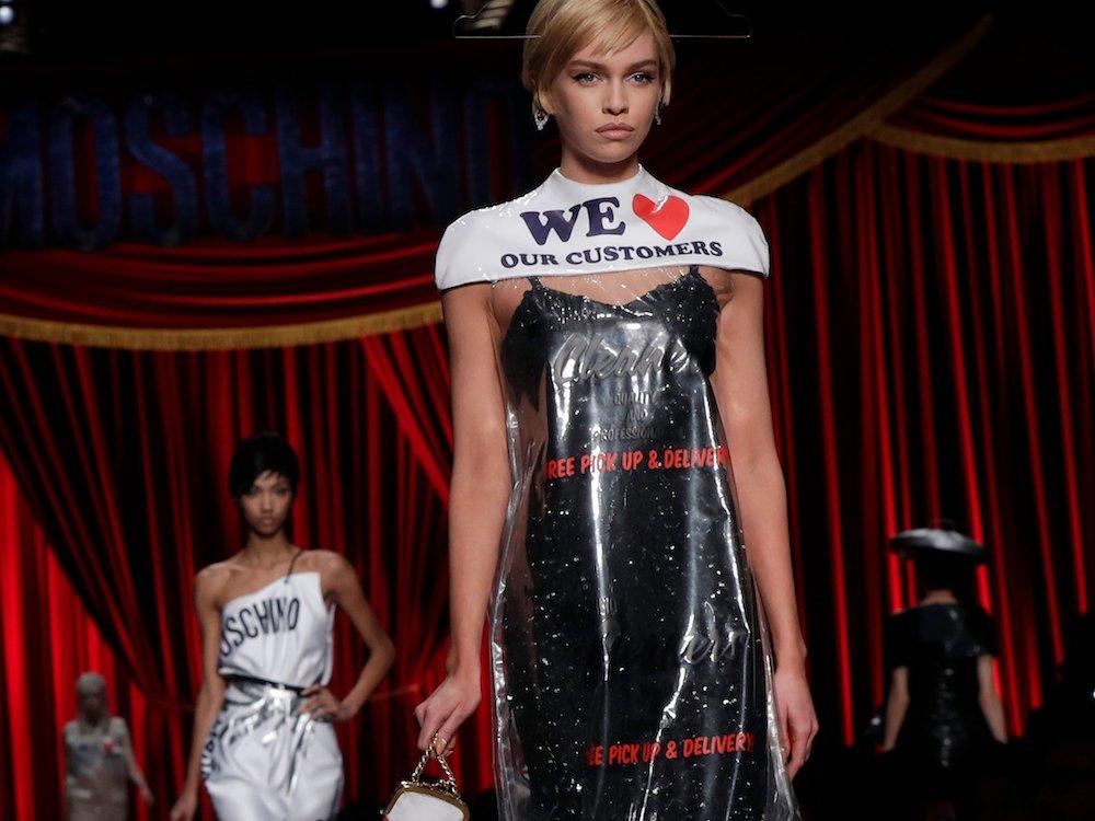 moschino dress - Moschino levanta polémica en el mundo de la moda