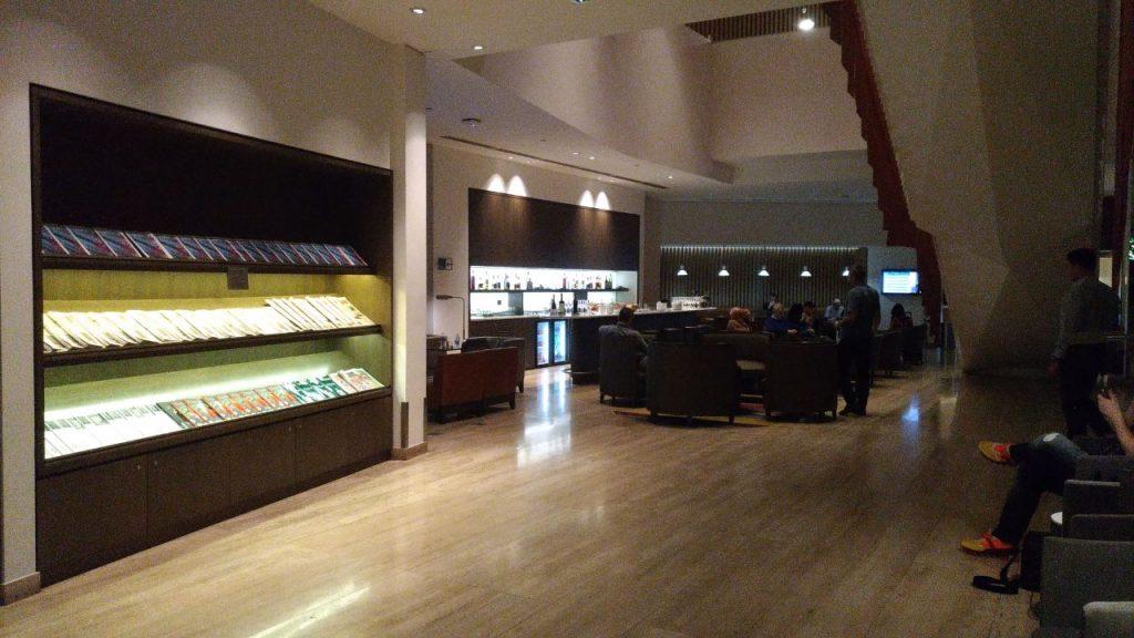 13433d1b f632 43d4 b2e0 b73c468ea1ea 1024x576 - El Salon VIP de LATAM en el aeropuerto de Santiago de Chile (SCL)