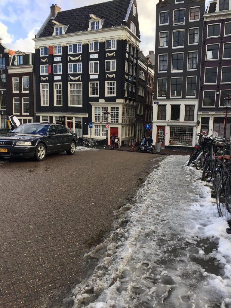 IMG 0338 e1527119645383 768x1024 - El Hotel Sebastian's en Amsterdam