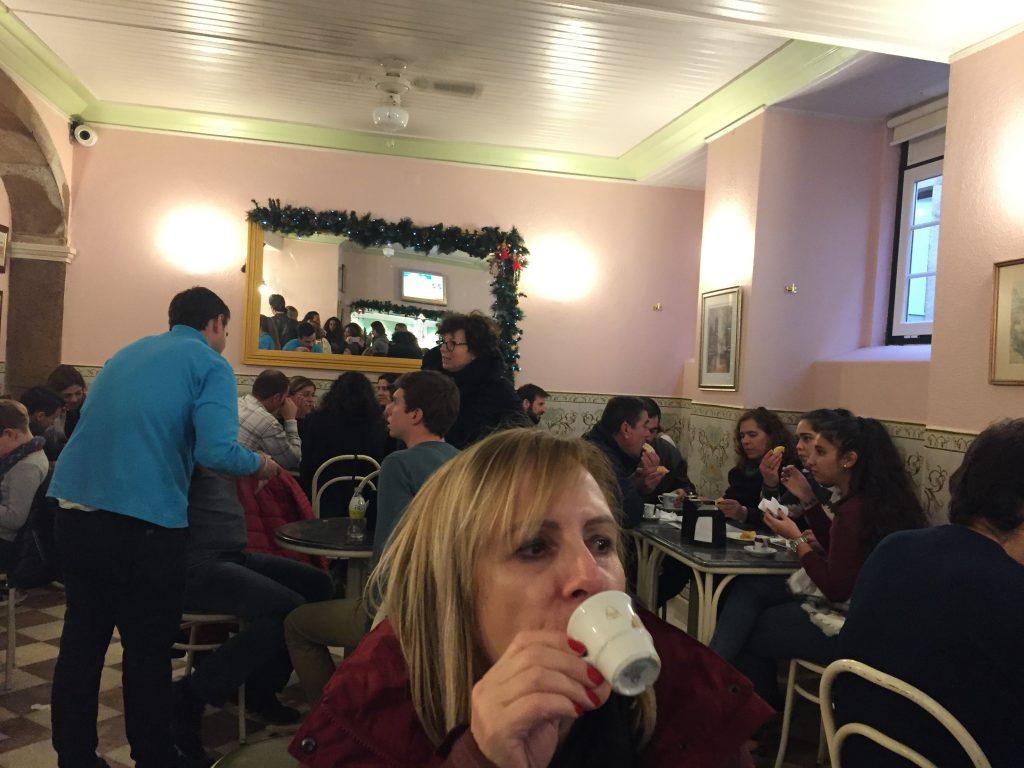 IMG 2223 e1526241209224 1024x768 - El Pastel de Belem vs El Traveseiro de Sintra. Duelo de delicias portugesas.