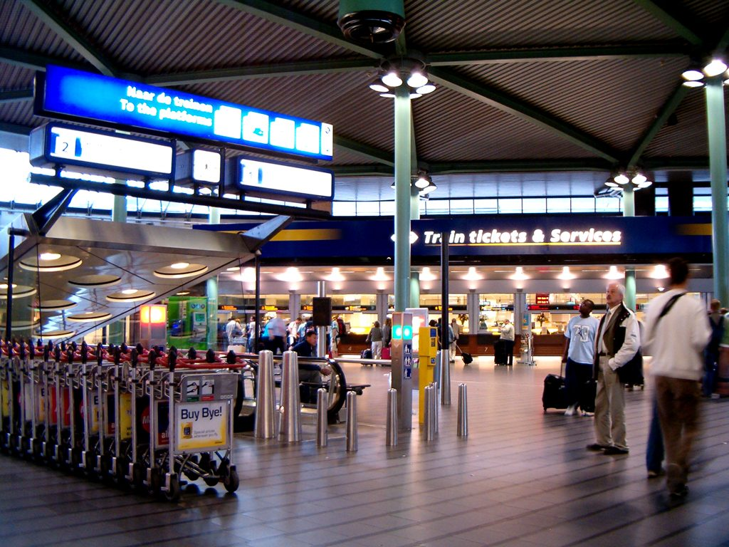 Hal schiphol plaza ns 1024x768 - Como llegar del Aeropuerto Schiphol de Amsterdam a la ciudad