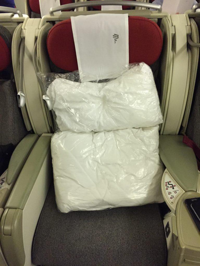 IMG 9986 e1530571490545 768x1024 - Volando de Buenos Aires a Londres via San Pablo en LATAM en Business Class II/II
