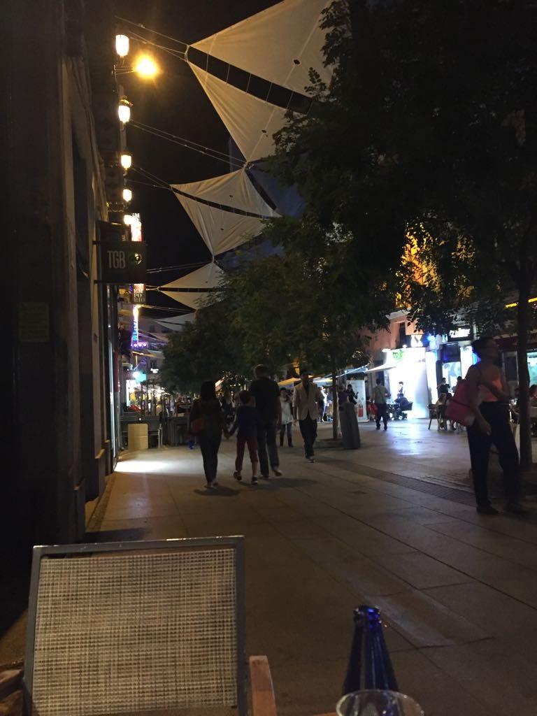 WhatsApp Image 2018 08 15 at 21.44.41 1 768x1024 - El Hotel Preciados en Madrid