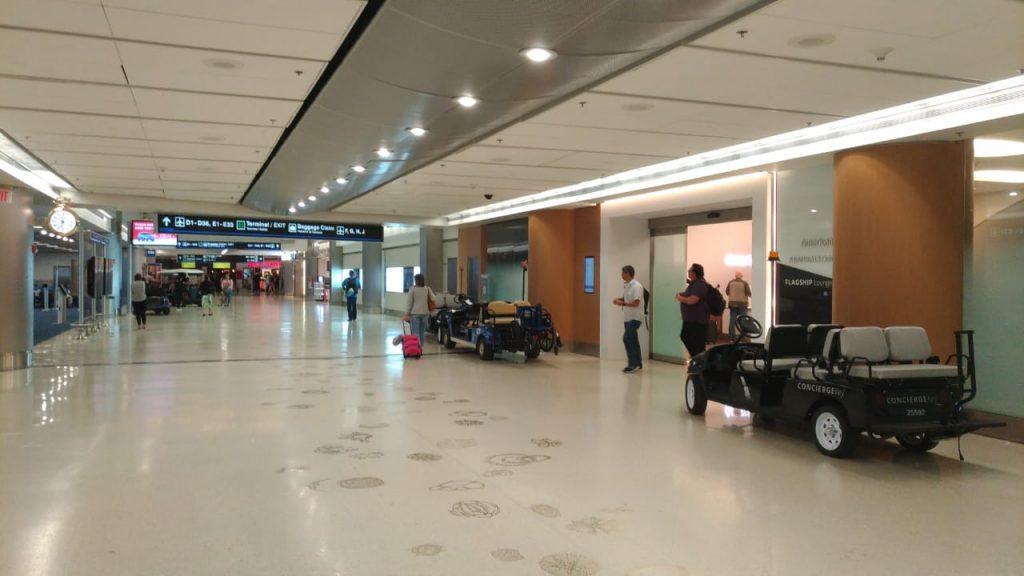 0406501f e0f0 4c97 be59 3dc31102ad3f 1 1024x576 - El Flagship Lounge de American Airlines en el aeropuerto de Miami
