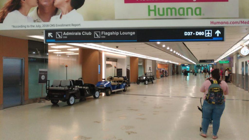 0961e1e1 d5ac 462a 8026 e3364fb244fb 1 1024x576 - El Flagship Lounge de American Airlines en el aeropuerto de Miami