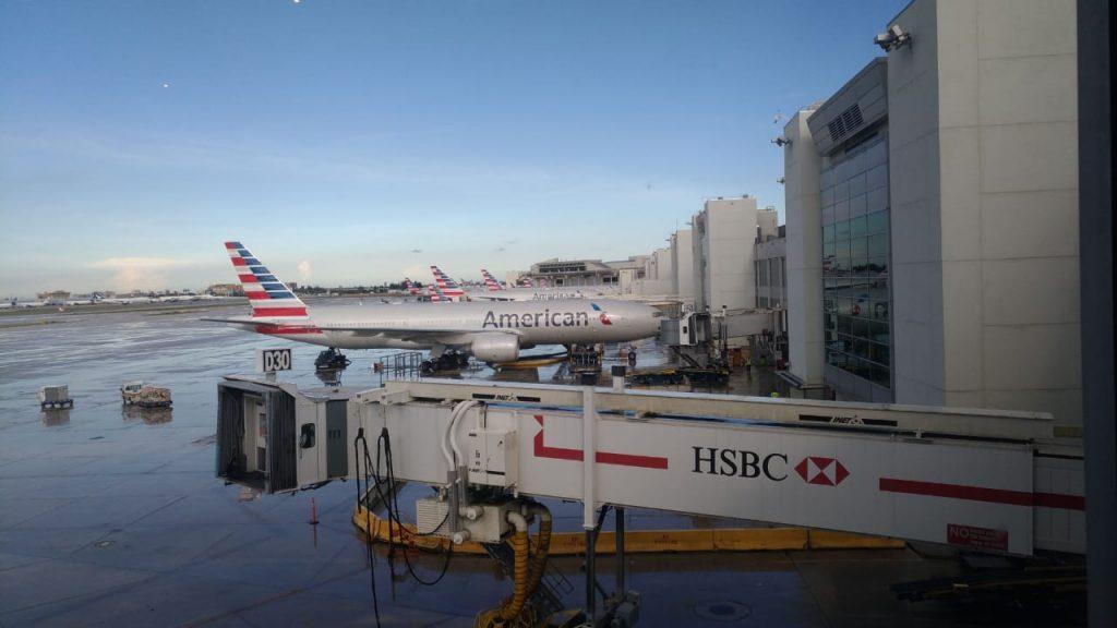 2119222f d9c5 4c5f a6f7 09339741c7f5 1024x576 - El Flagship Lounge de American Airlines en el aeropuerto de Miami