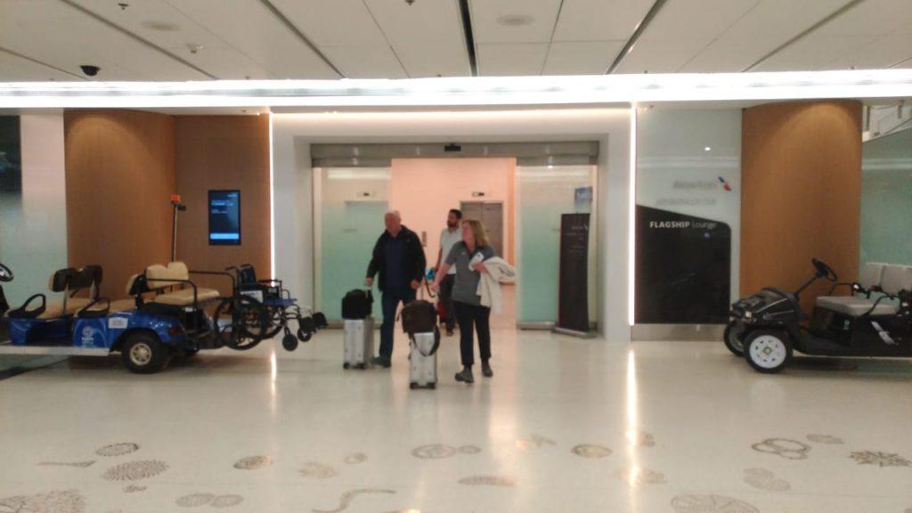 769469f2 4e6d 421d 9f1b e00e10c29114 1024x576 - El Flagship Lounge de American Airlines en el aeropuerto de Miami
