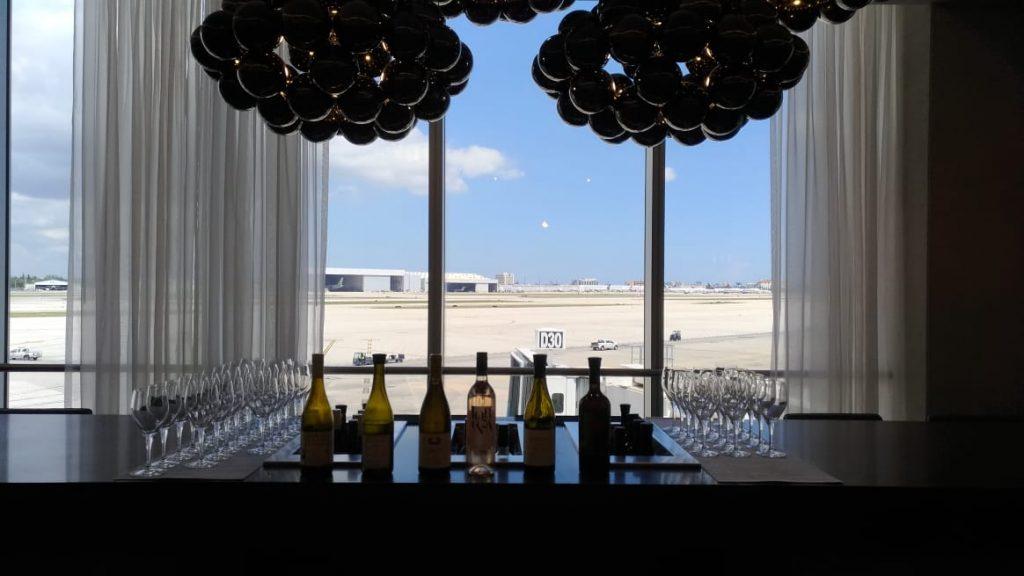 ad92672d 1e0a 4d22 bab7 5f31b0236c58 1024x576 - El Flagship Lounge de American Airlines en el aeropuerto de Miami