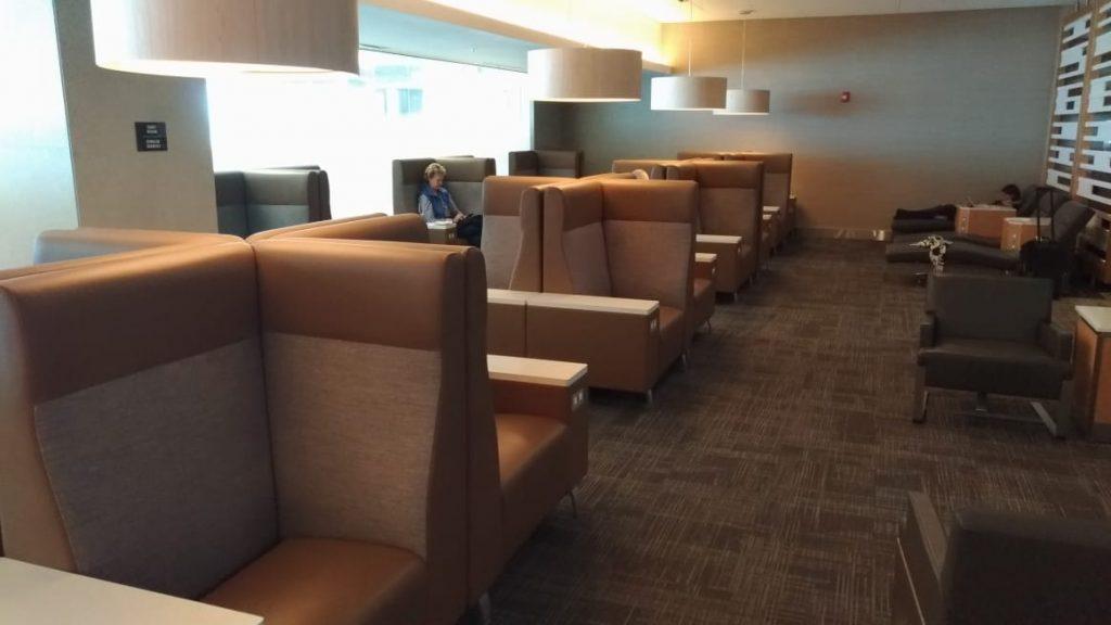 fd9edeff f393 4a04 bf13 b101d184d378 1024x576 - El Flagship Lounge de American Airlines en el aeropuerto de Miami