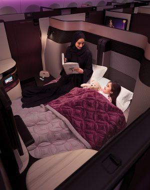 33189563041 44645d1262 b 300x380 - Qatar lanza una nueva cabina con cama matrimonial en sus vuelos desde Buenos Aires