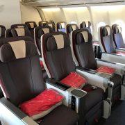 Iberia Premium Economy 180x180 - Volar en Premium Economy: ¿Qué es? ¿Vale la pena?