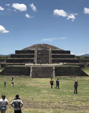 IMG 2383 e1546797946419 300x380 - Una visita a las Pirámides de Teotihuacan en Ciudad de México